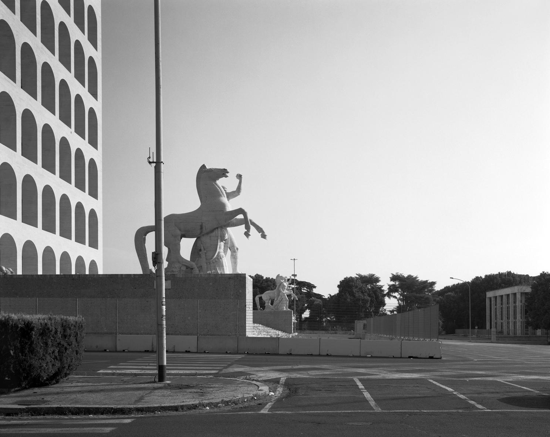 Hans-Christian Schink, EUR, Quadrato della Concordia #2 / Courtesy Galerie Rothamel, Galerie Kicken