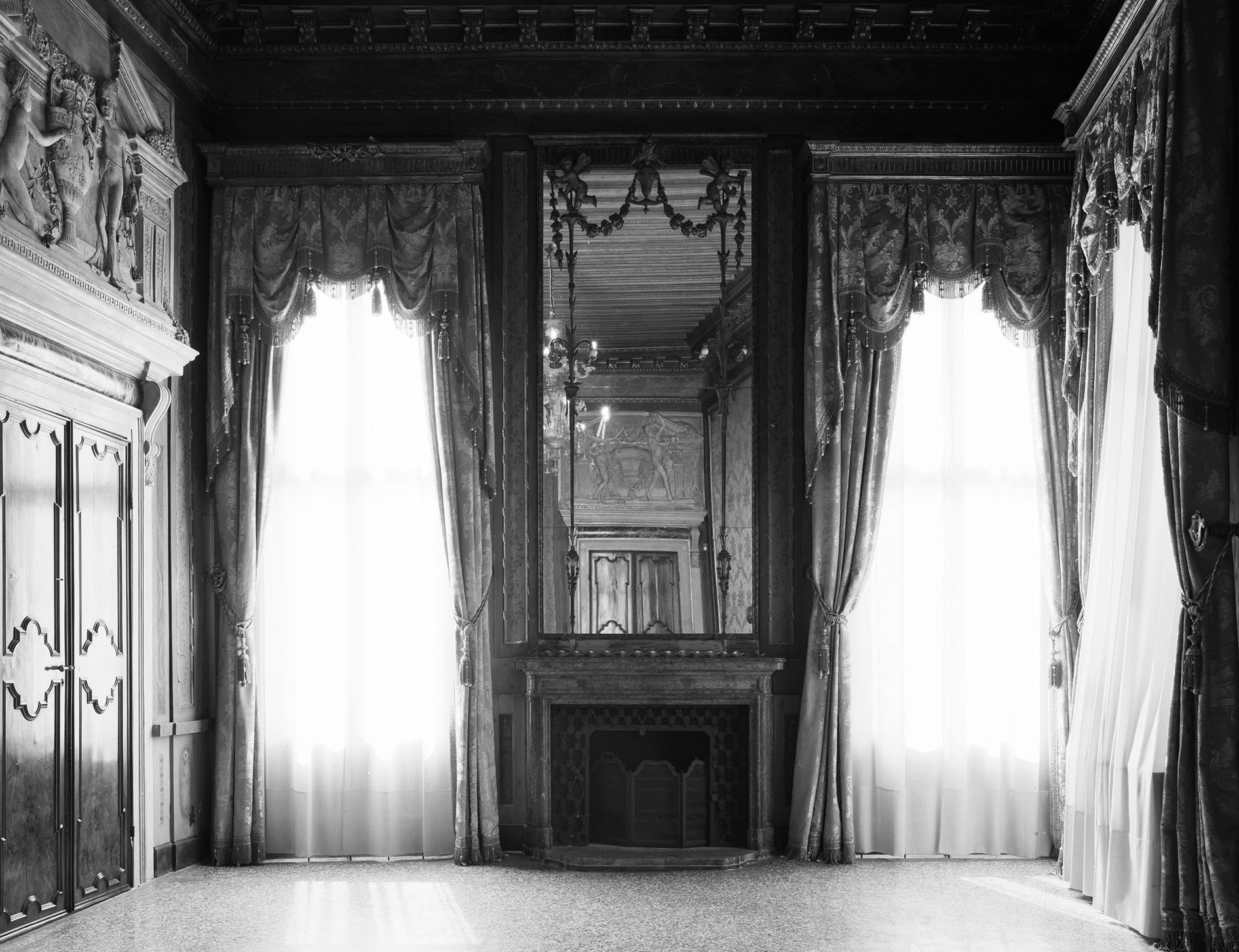 Axel Hütte, Fondazione Levi, Italy 2012, black and white photograph printed on glass and mirror 58 x 69 cm / Courtesy: Daniel Marzona Gallery
