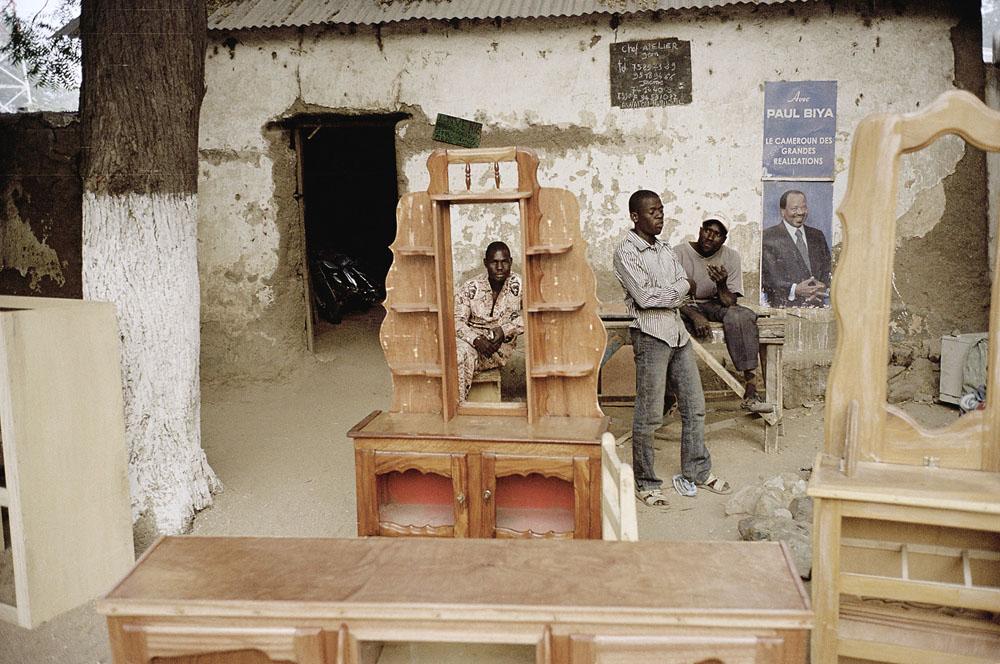 "Andréas Lang ""Arbeiter und Präsident"", 35 x 28 cm, Kamerun 2012 / © Andréas Lang"