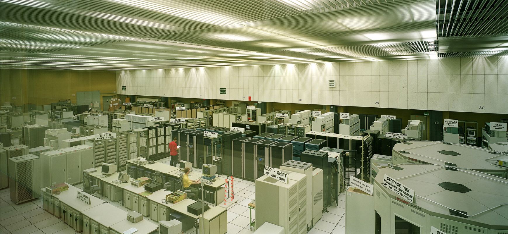 Armin Linke, CERN, European Organization for Nuclear Research, computer room / Geneva Switzerland, 2000 © Armin Linke, Photo: Courtesy of the artist