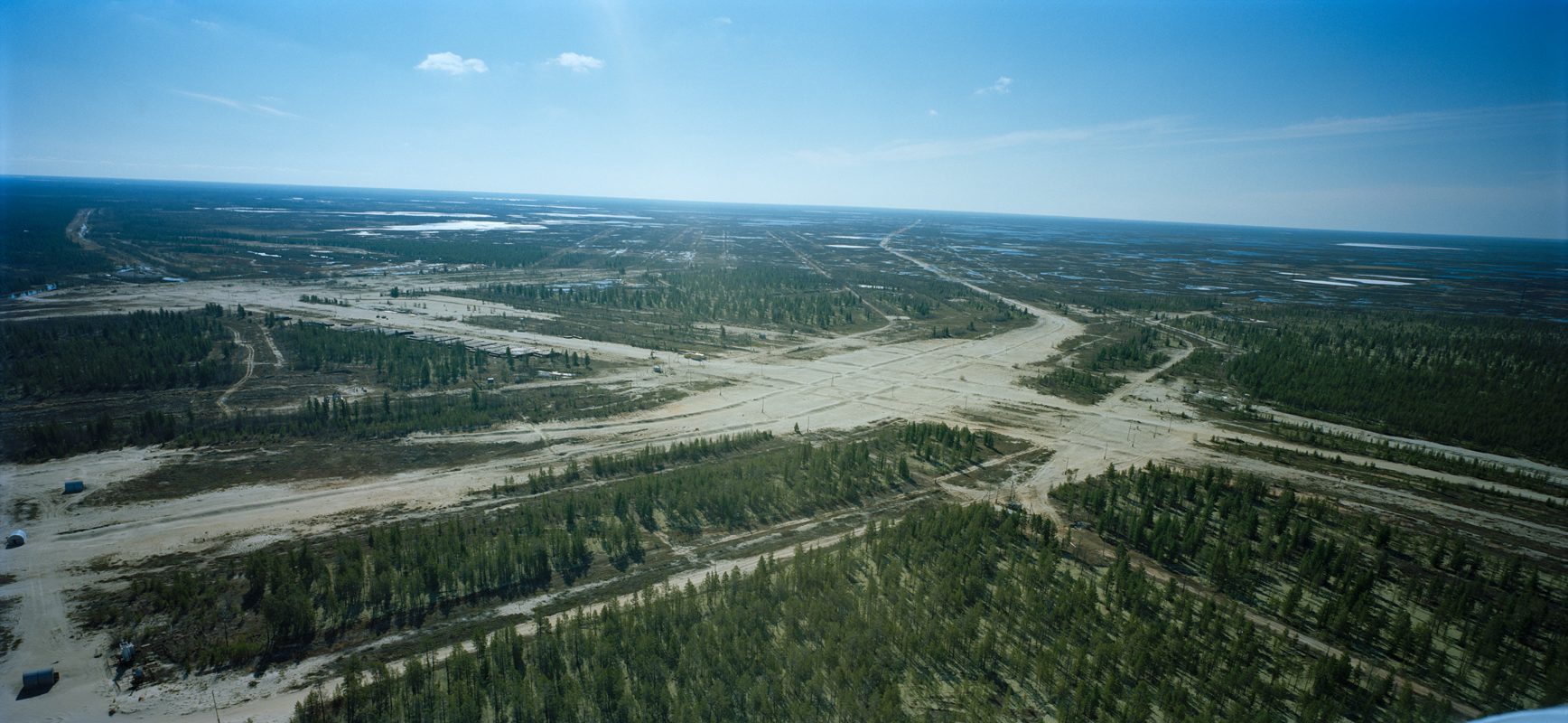 Armin Linke, Gas pipeline junction. Nadym / Russia  2011 © Armin Linke, Photo: Courtesy of the artist