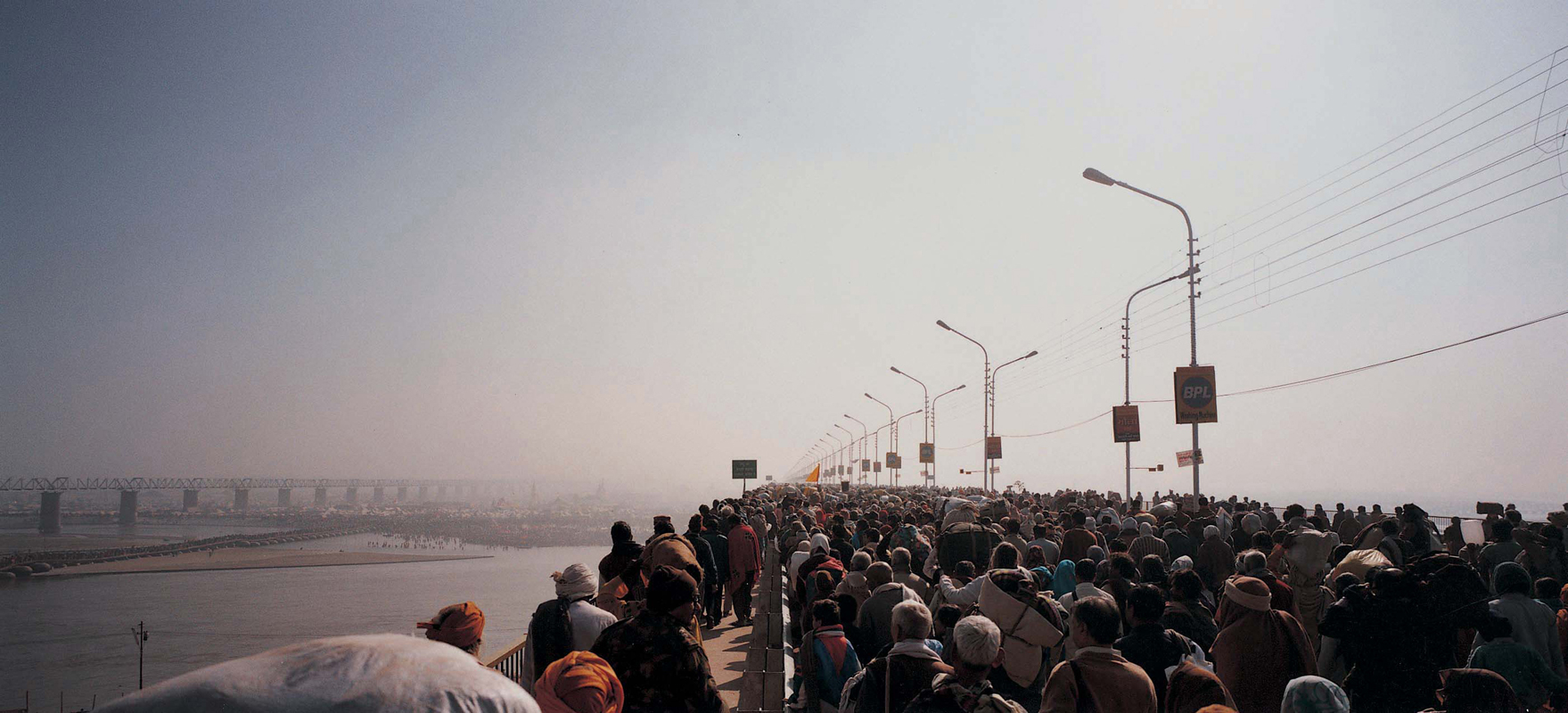 Armin Linke, Maha Kumbh Mela, Allahabad / India 2001 © Armin Linke, Photo: Courtesy of the artist