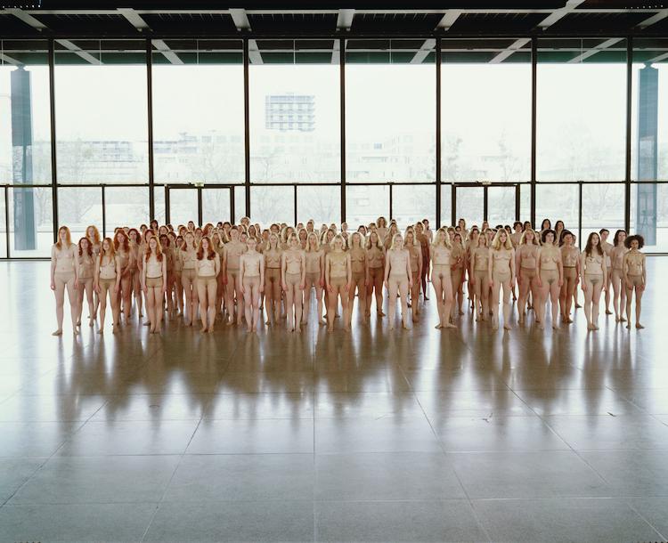 Vanessa Beecroft VB55 - Performance, 2005, VB55.004.NT, Neue Nationalgalerie, Berlin, 2005 © Vanessa Beecroft