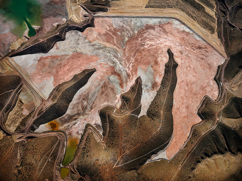 Christophe Guye Galerie © Edward Burtynsky, Morenci Mine 1, Clifton Arizona USA, 2012