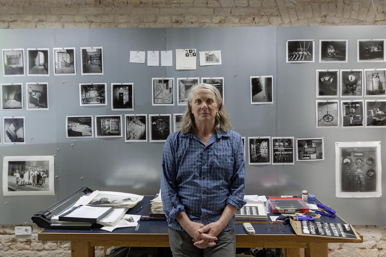 Harf Zimmermann in his studio, Berlin, 2020 / © Arno Scholwin